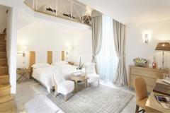 ILLULIAN_Hotel Palazzo del Corso_Oracle