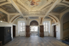 navello-finestra-legno-seta-2-0-castello-di-carru-mdash-int-19-ingresso