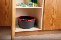 Spin-and-Clean_bucket-in-closet